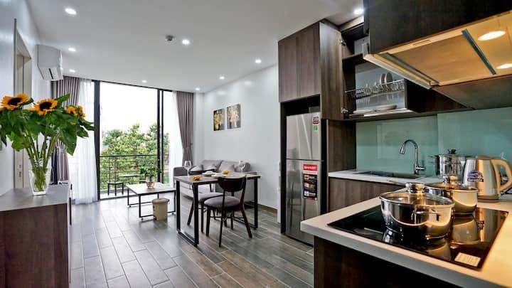 Paradise Westlake 5 - brand new apt with balcony