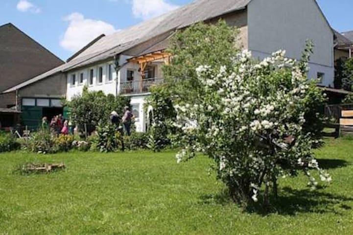 Ferienwohnung im Naturpark Nassau - Berg - Pis