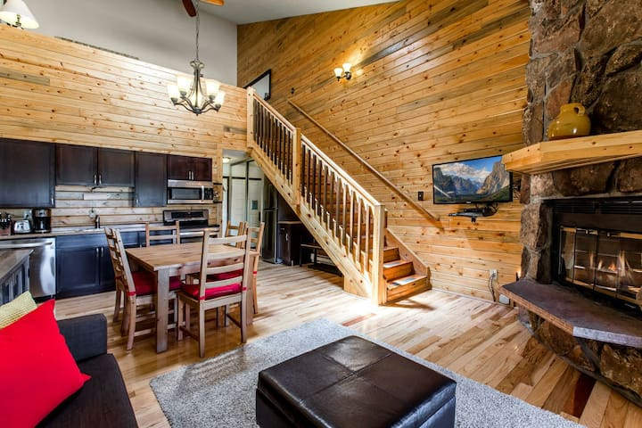 Beautiful & Clean Mountain Condo