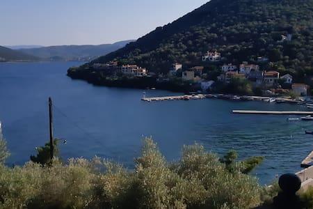 Πτελεός Διαμέρισμα με εκπληκτική θέα στο λιμάνι