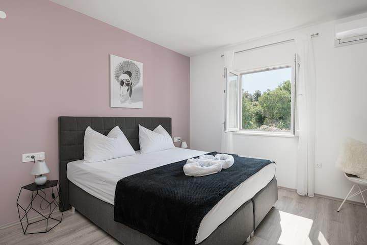 Apartments Lidija - Double Room with Mountain View