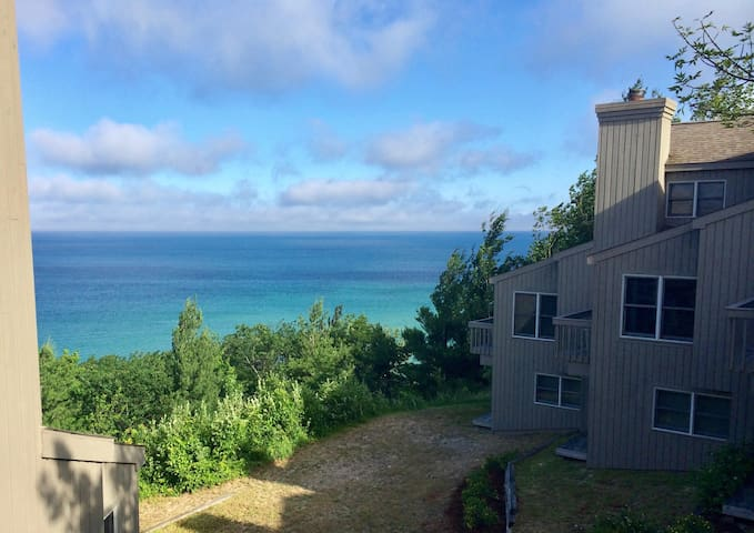 Glen Arbor Condo Overlooking Lake Michigan!
