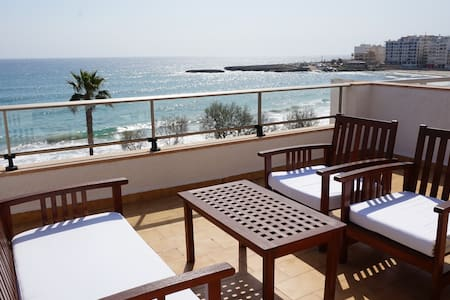 Apartment with terrace by the beach with sea view - Antic 301