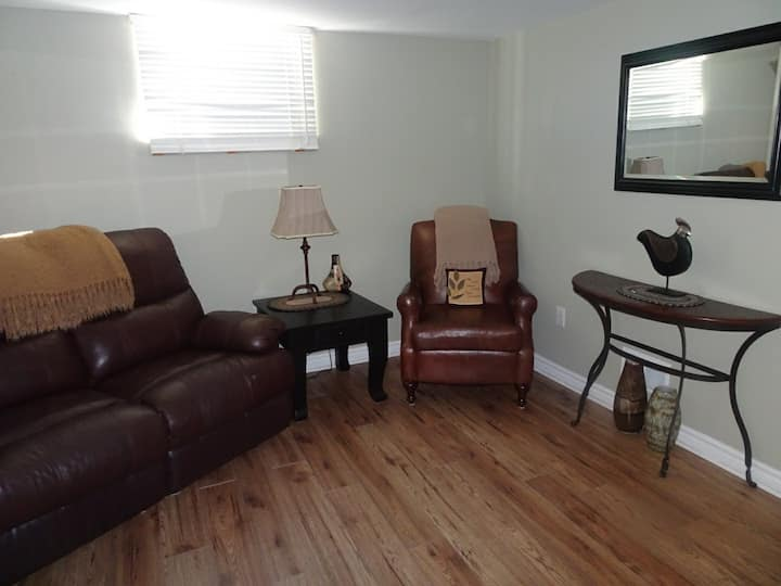 Spacious 1 Bedroom Apartment with all amenities.