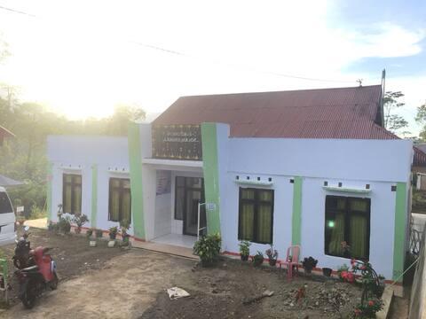Rumah Dokter Gigi ( Near From Todo &Wae Rebo)