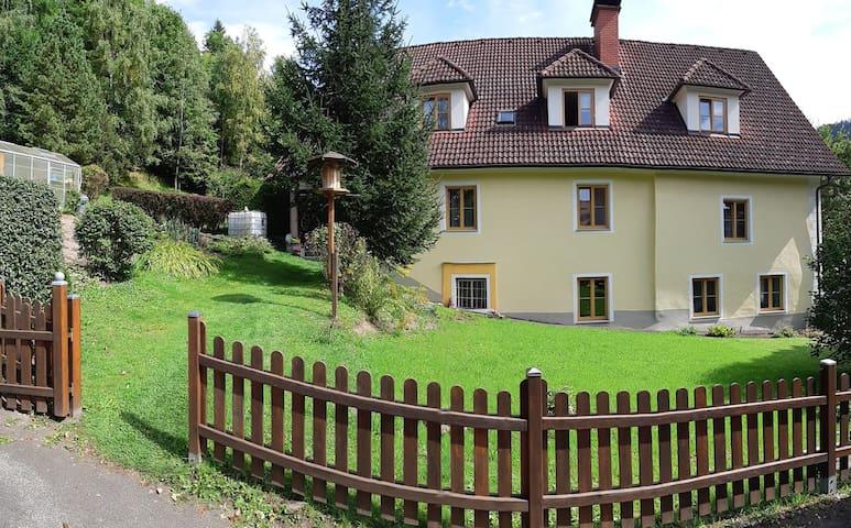 Haus mit 4 Zimmern