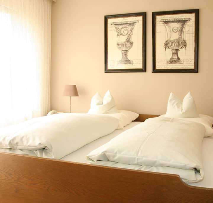 Hotel-Restaurant Waldblick-BSR, (Donaueschingen), Doppelzimmer Classic mit Dusche und WC