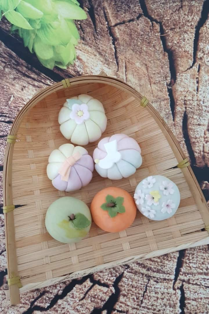 Beautiful Korean design rice cakes