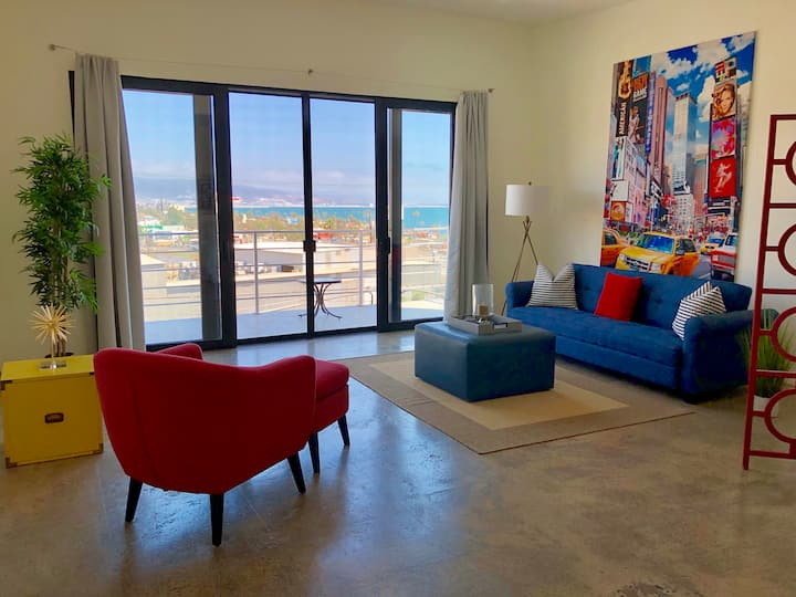Beautiful 2 bedroom building for couples or group