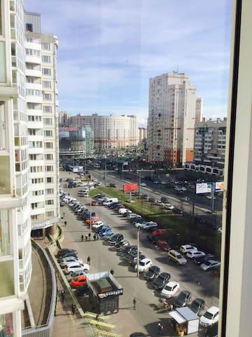 Хорошая квартира у метро Комендантский проспект.
