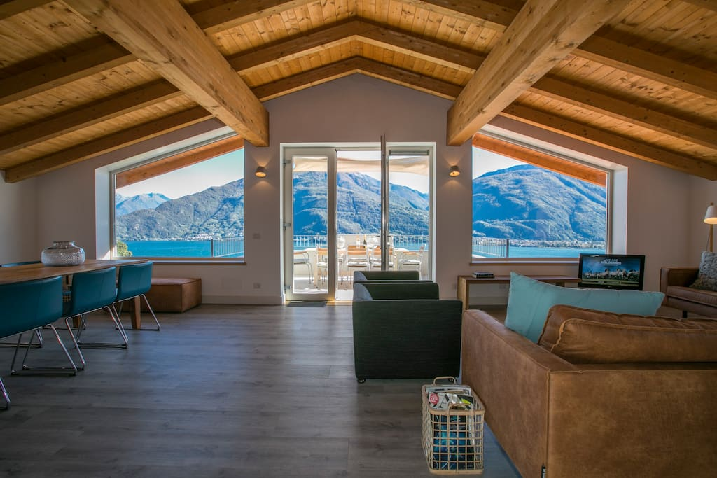 Fantastic lake view from the kitchen area