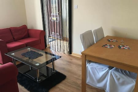 Private Apartment-living room/bedroom - Dumfries