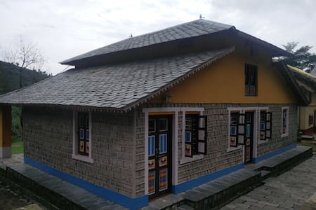 Traditional eco-friendly 3BHK Kangra Village House - Palampur