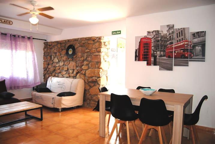 A ORILLAS DEL LAGO Casa 16B