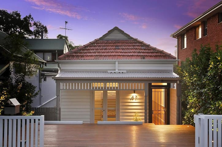 Quintessential Manly Beach Cottage
