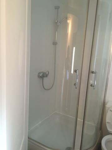 Self contained single bedroom - Bexleyheath - Kondominium