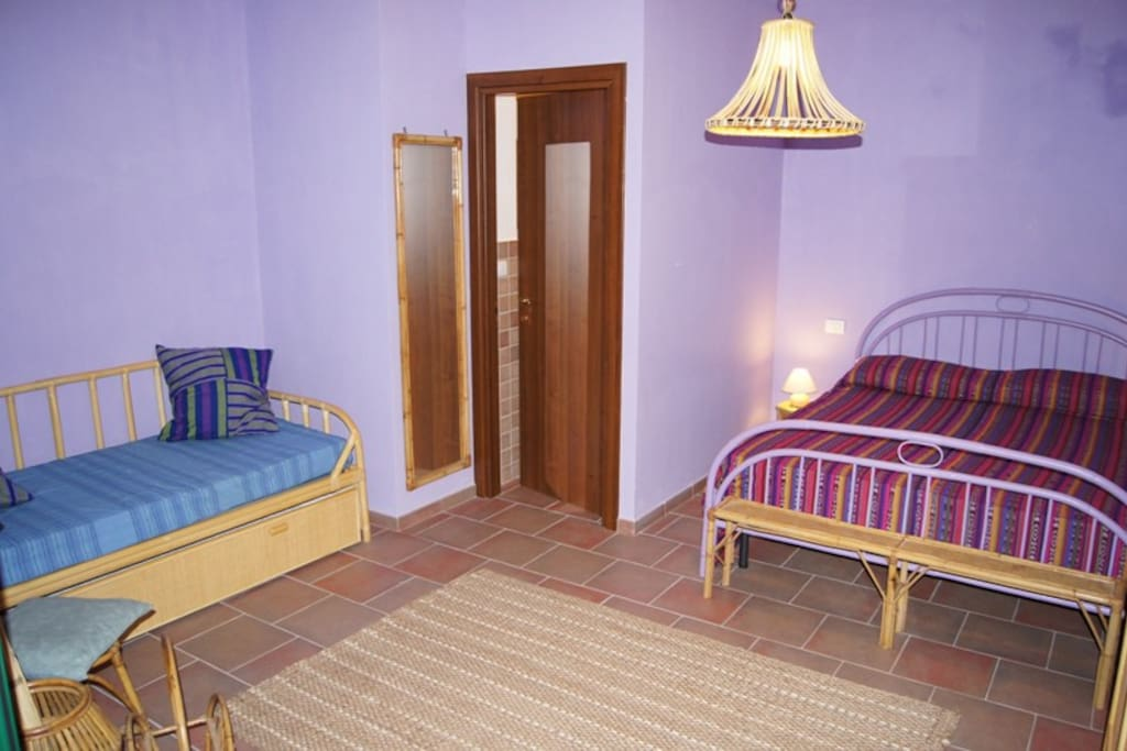"interno camera ""Glicine"""