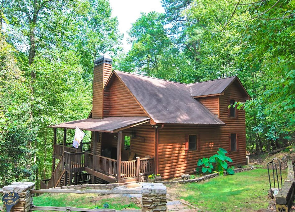 R r river retreat cabins for rent in ellijay georgia for Large cabin rentals north georgia