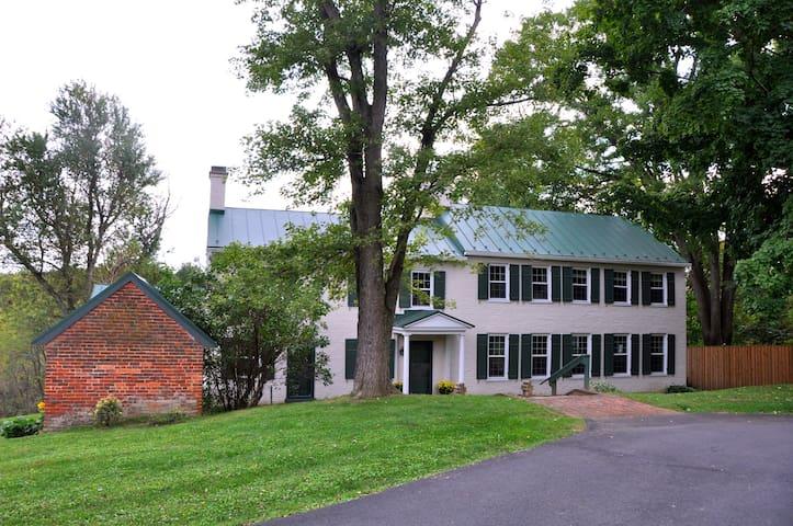Maple Hill Farm