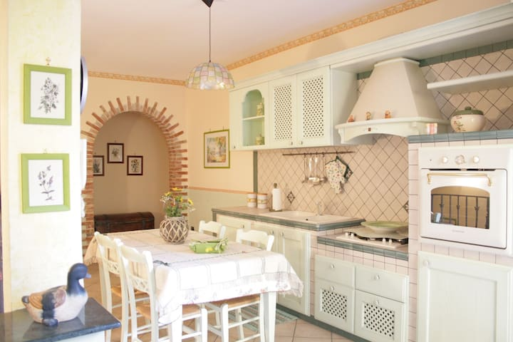Flora's Home - Your home to enjoy Western Sicily - Montelepre - House
