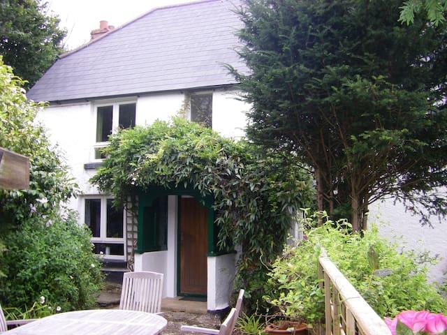 Old Farmhouse, Yabbacombe,  Aveton Gifford, Devon