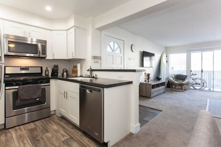 Modern DP Condo - Close to Beach! - Dana Point