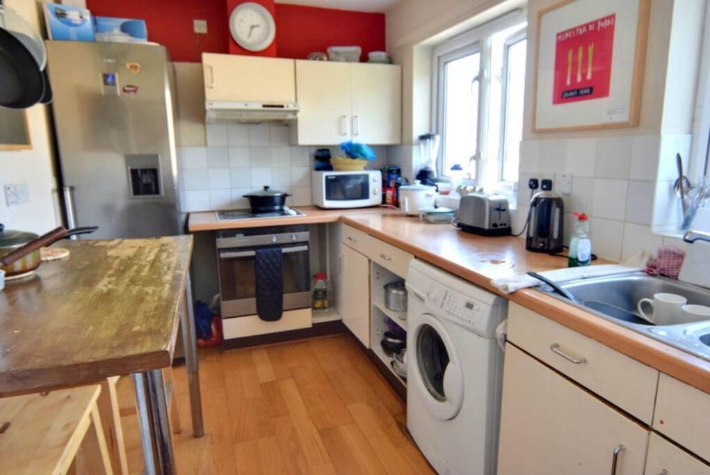 Full kitchen, large stainless steel fridge freezer. Fisher Pascal oven, washing machine.
