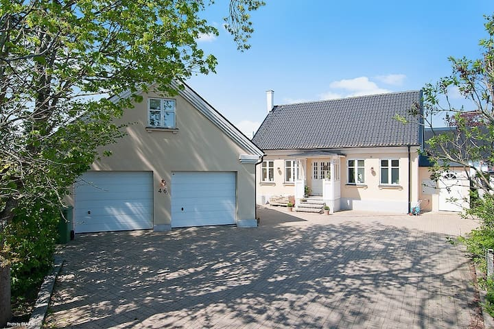 Villa + gästlägenhet nära Falsterbo Horseshow - Trelleborg V - Haus