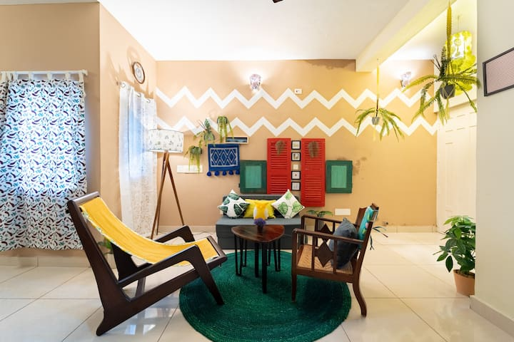102 Cozy 1BHK near Auro Beach. Stay-Farm-Relax