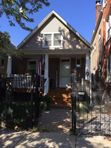 Chicago Style Modern Bungalow...