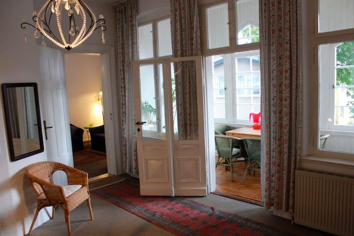 Helle & gemütliche Ferienwohnung - Ahlbeck - Appartement