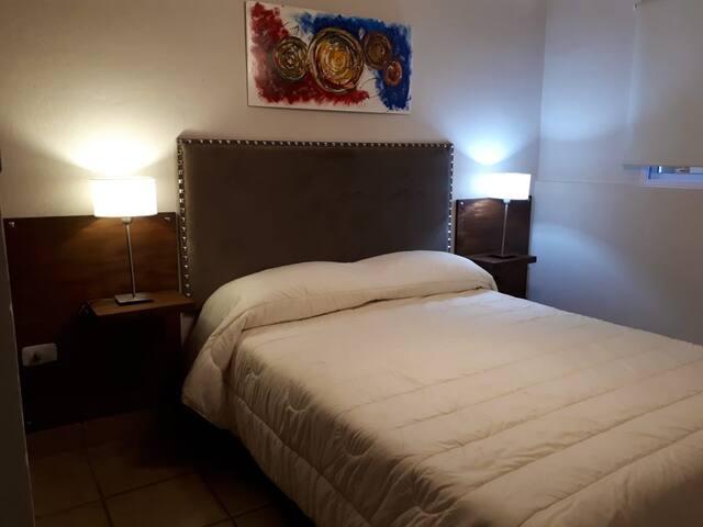 Apartamento y cochera Caldas