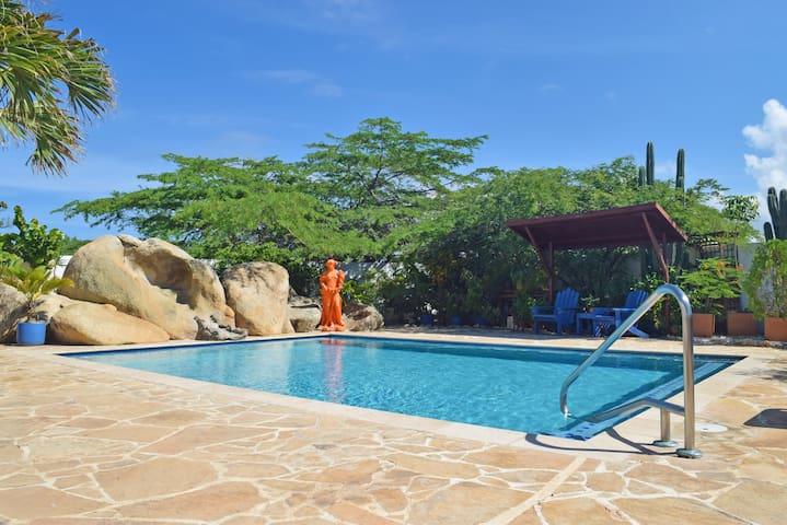 Villa Bougainvillea, Tango Suite