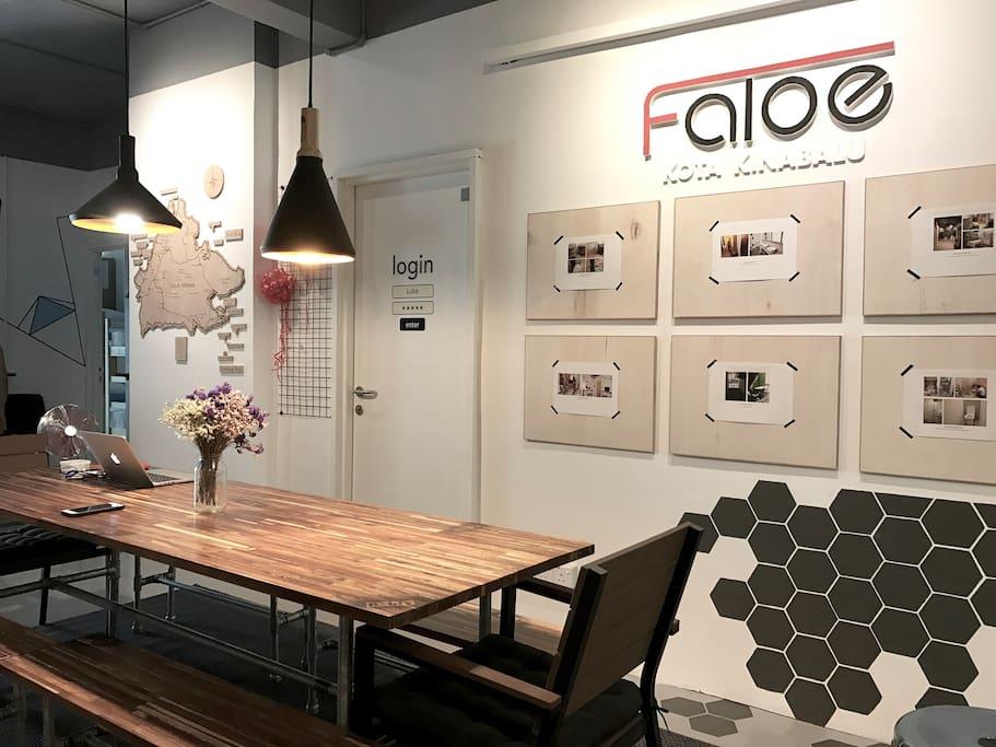 Faloe Hostel - Dining area