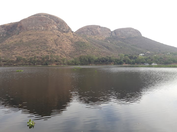 Shore House on the banks of Hartbeespoort Dam