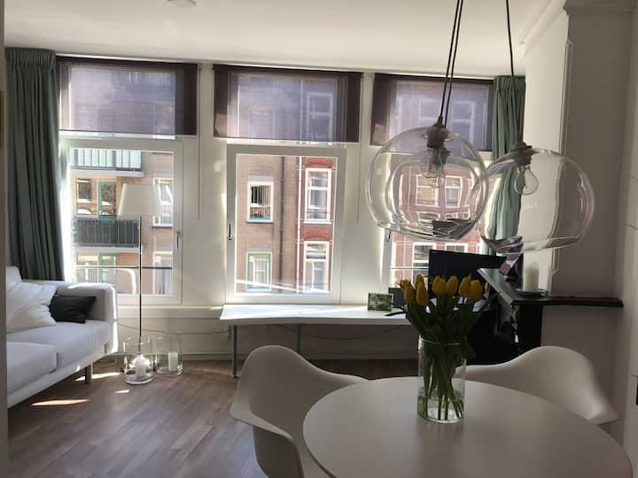 Charming & light studio apartment @ Westerpark