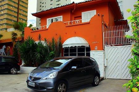 Suíte ampla no Jardins, px Paulista - San Paolo