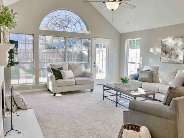 Heritage Luxury 4Bed Private Home