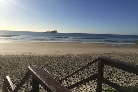 Mudjimba Family Beach House - Mudjimba