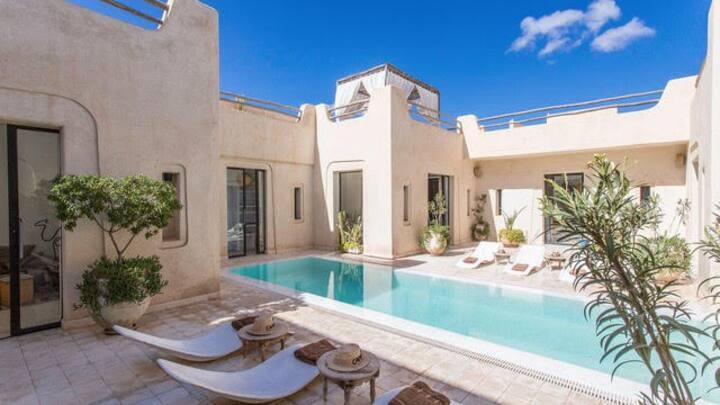 villa privée avec piscine sans vis-à-vis