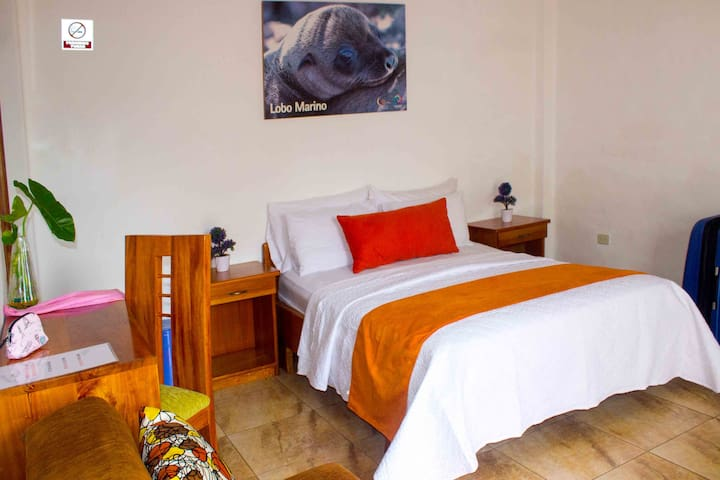 Gala House Pto Ayora Double Room
