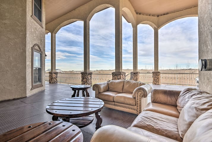 Luxe Hudson House w/ Mtn Views - 30 Min to Denver!