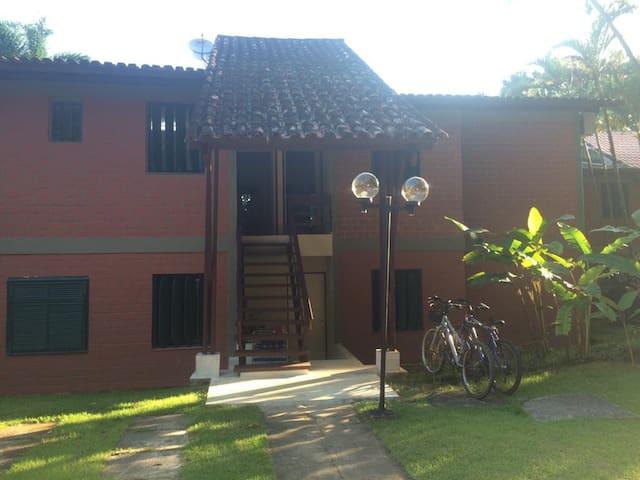 Apartamento em condomínio fechado em Barra do Una