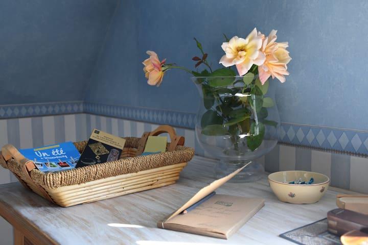 Chambre, salle de bain et WC privés de luxe