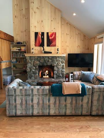 cozy living rooom