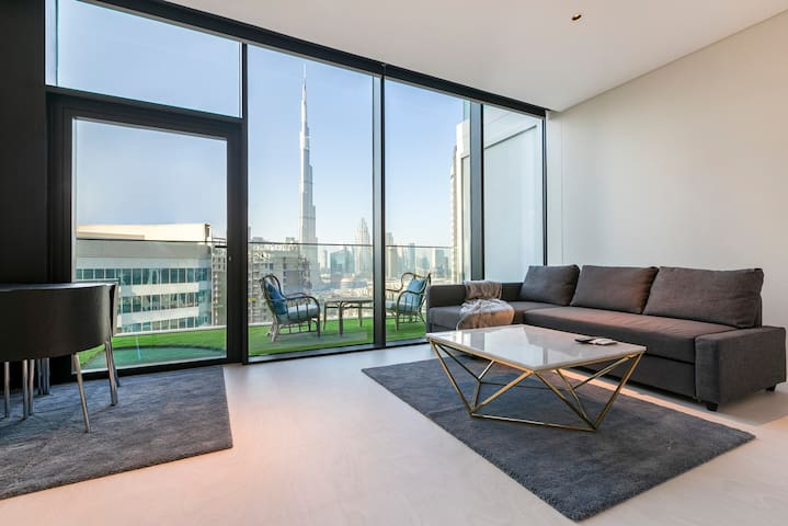 BOOK TODAY Burj Khalifa View Studio @ Marquise Sqr