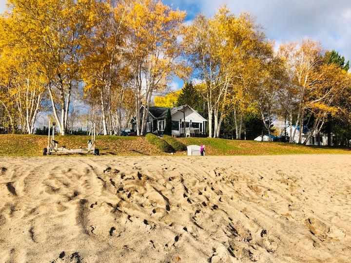 Domaine du Rêve Bleu sur la plage du Lac st-Jean