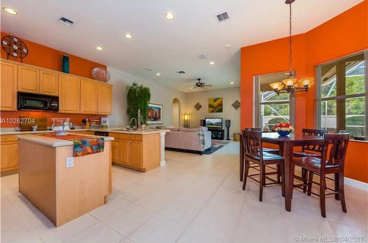 21278 Falls Ridge Way, - Boca Raton - House