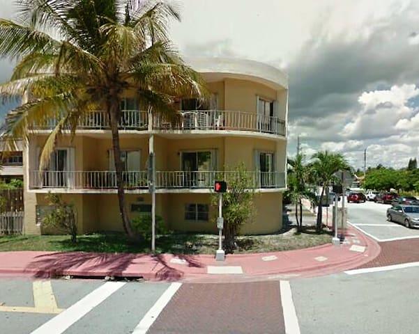 Apartment in Surfside, Miami Beach, Florida