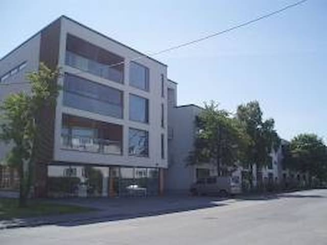 Simple apartment, walking distance from centre - Kuressaare - Lejlighedskompleks